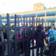 """La Asamblea Pro-Personas Refugiadas """"abriendo fronteras"""" en el CIE de Aluche"""