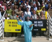 Acciones pro personas refugiadas el día de la vecindad del Distrito Sur